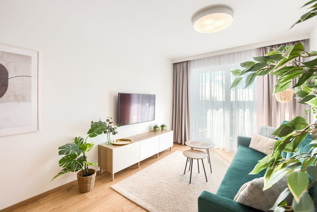 Przepiękne mieszkanie w Kołobrzegu. Patrząc na fotografię tych wnętrz, aż chce się tam odrazu przenieść.