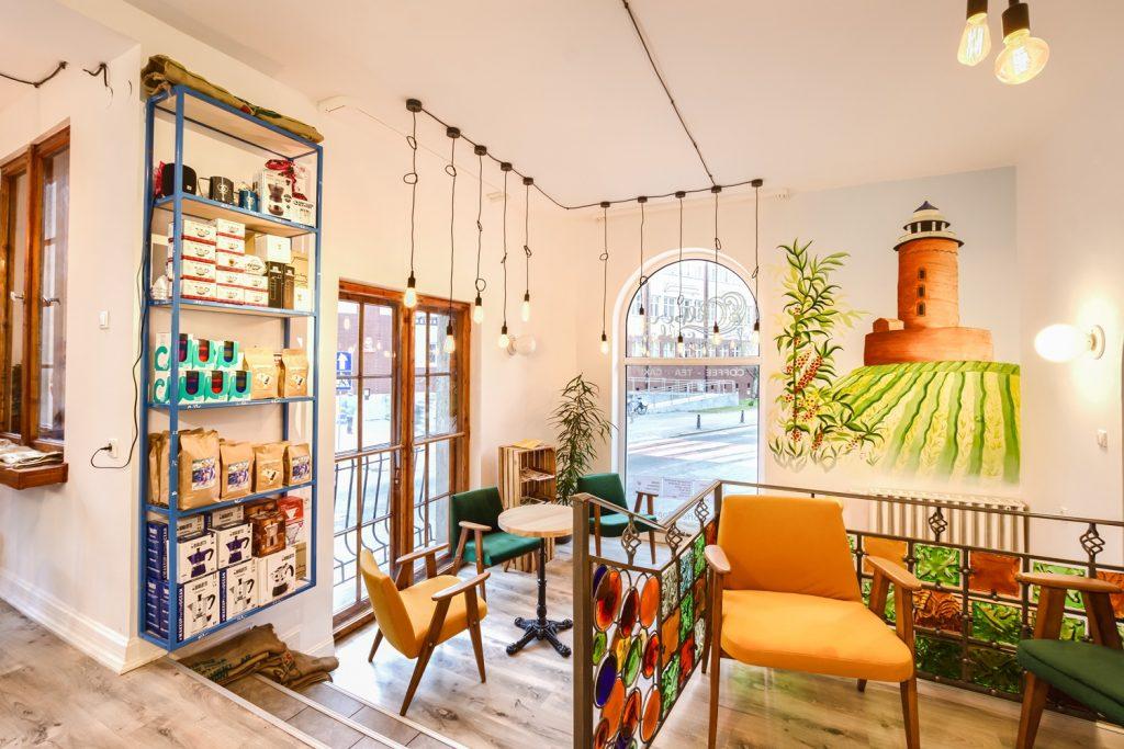 Nowo powstała kawiarnia na kołobrzeskim rynku. Fotografię wnętrz przedstawiam poniżej. Colberg Coffee.